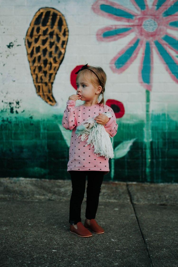 pinksweatshirtblacktriangles-2